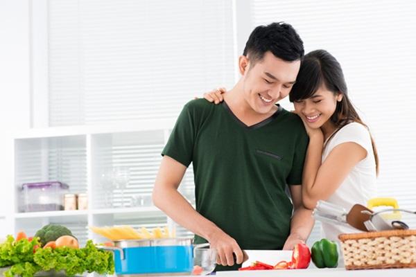 Trong phong thủy đặt hướng bếp theo tuổi vợ hay chồng