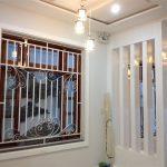 Mẫu hoa sắt cửa sổ đơn giản trong kiến trúc hiện đại