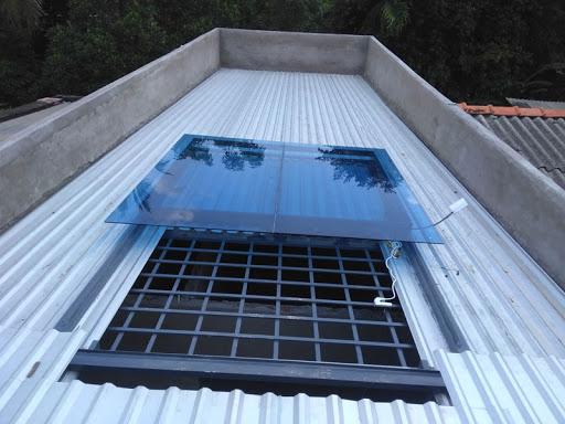 Nên hay không nên thiết kế giếng trời cho nhà mái tôn?