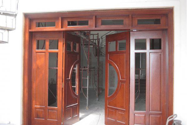 kích thước cửa đi phù hợp với mọi nhà